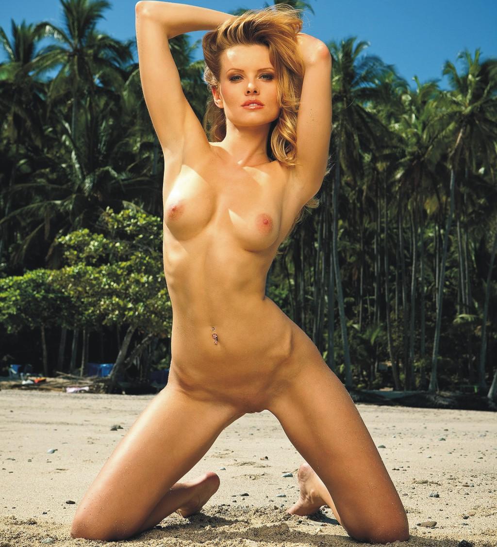 Irene Richie Nude Laura Marano
