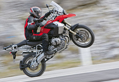 BMW R1200 GS Wheelie
