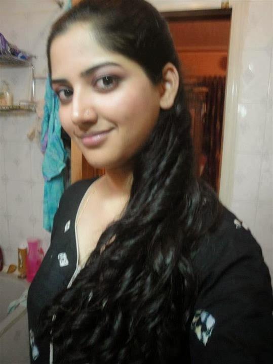 446 best Desi Bhabi images on Pinterest | Desi bhabi