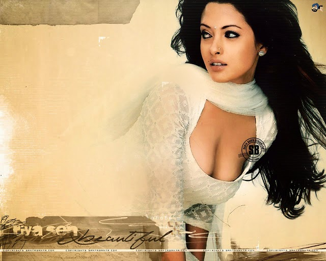 riya sen very sexy picture