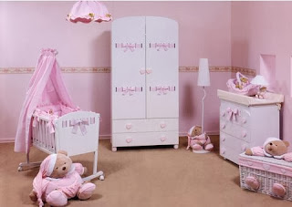 habitación bebé blanco rosa