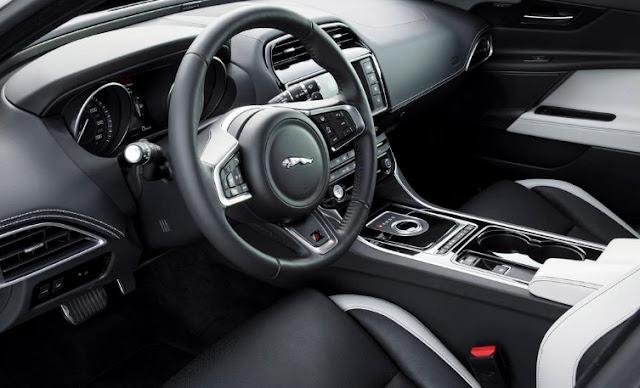 2017 Jaguar XE AWD diesel R-Sport Recent interior