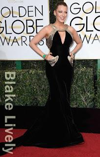 ブレイク・ライブリー(Blake Lively)は、ヴェルサーチ(Versace)のドレスを着用。
