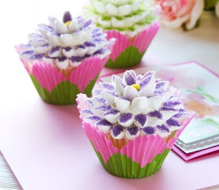 Easy to Make Mother's Day Flower Cupcakes