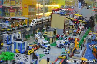 LEGO Toys R Us Hong Kong