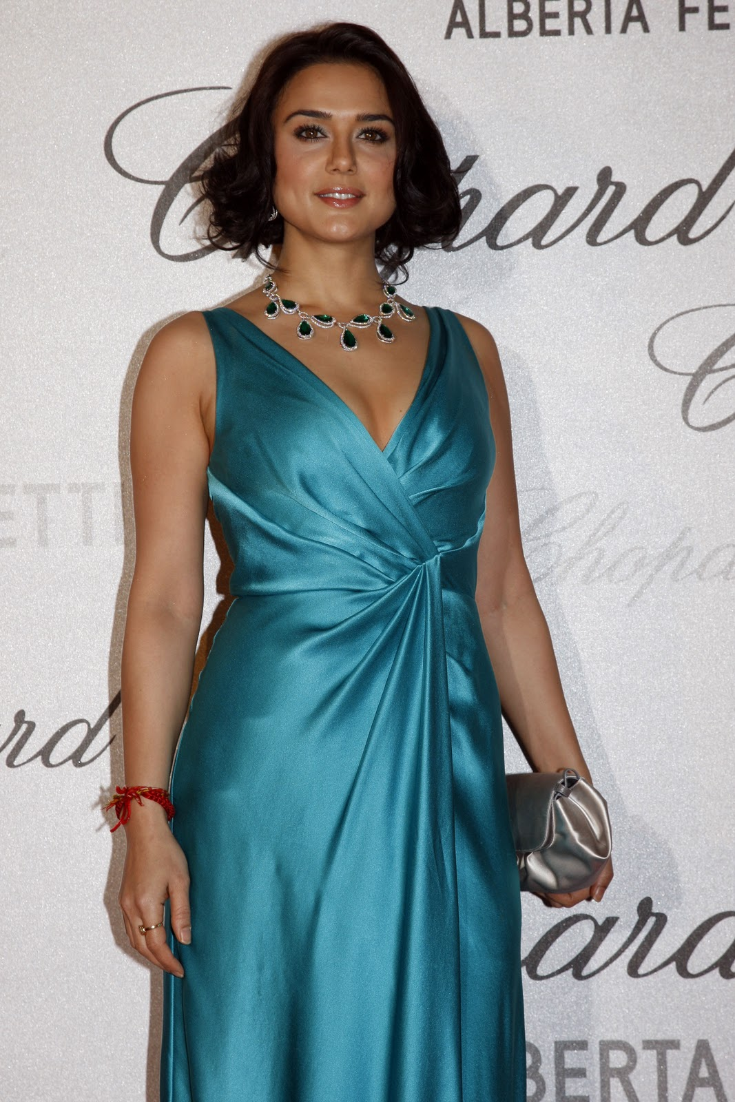 Preity Zinta Attends Cannes Soiree Chopard Photocall Http -7022
