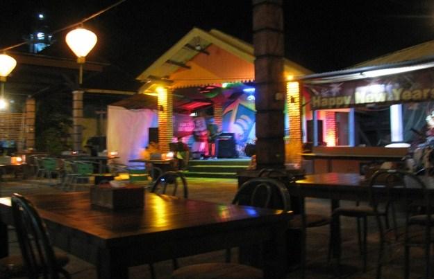 Unique Bistro & Karaoke Belitung