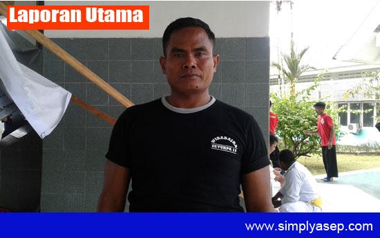 Sukino Ledatek Ketua Panitia Kejuaran Pencak Silat Antar Perguruan Se Kubu Raya saat ditemui di sela sela pertandngan. Foto Asep Haryono