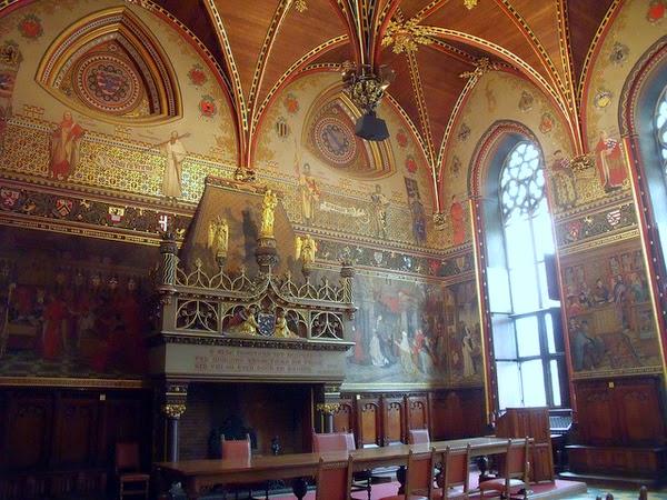 Interior del Ayuntamiento (Brujas, Bélgica)