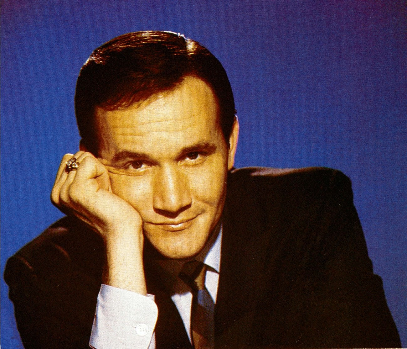 Roger Miller was an American singer, songwriter, musician and actor, best known for his honky-tonk-influenced novelty songs. http://www.jinglejanglejungle.net/2015/01/roger-miller.html