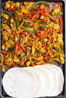 Sheet Pàn Bàked Chicken Fàjitàs