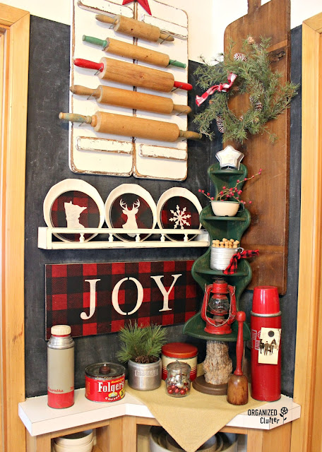 Rustic Christmas Kitchen vignette #repurpose #upcycle #stencil #oldsignstencils
