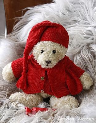 http://www.hendesverden.dk/handarbejde/strik/julesat-til-build-a-bear/