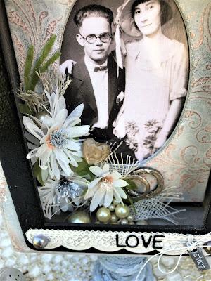 Sara Emily Barker https://sarascloset1.blogspot.com/2019/04/trashy-love-story-vignette-for-frilly.html Vignette Box Tutorial Tim Holtz 3D Embossing Seth Apter Baked Velvet 10