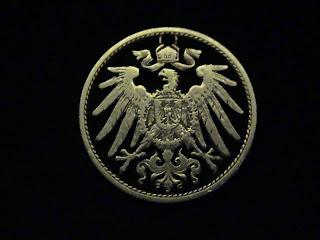 Moneda y uso de seguetapara hacer arte