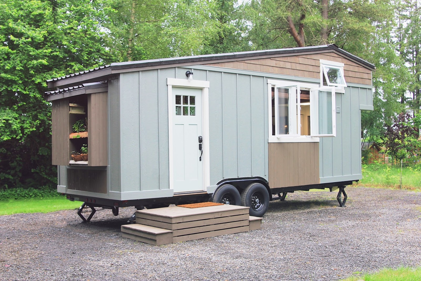 tiny house town the handcrafted movement tiny house. Black Bedroom Furniture Sets. Home Design Ideas