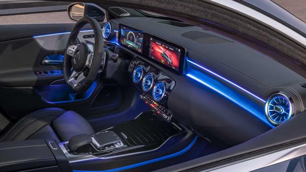2019 Mercedes-AMG A35 Sedan İç Tasarım