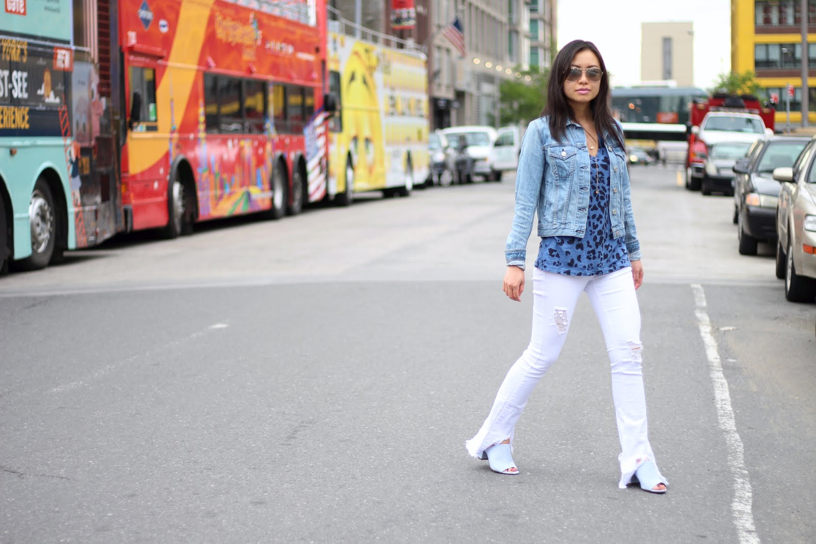 white fray jeans blue suede mules