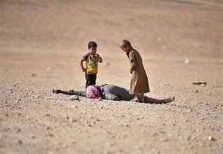 """Νεκρά 12 μέλη της ίδιας οικογένειας από βομβαρδισμούς του """"διεθνούς συνασπισμού"""" στη Συρία"""