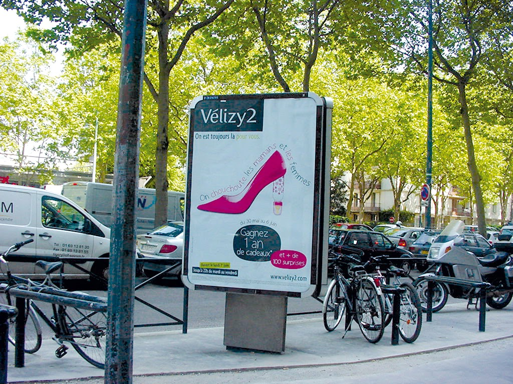 Jolie Française En Vacances Chez Vous Messieurs