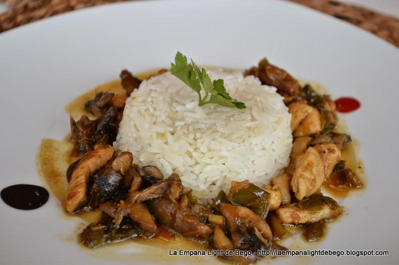 Receta-de-arroz-jazmin-con-pollo-setas-y-soja