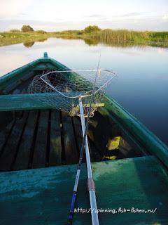 подсачек при ловле с лодки
