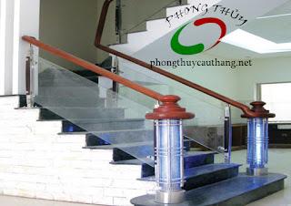 Mẫu thiết kế cầu thang đơn giản số 1 nhà diện tích nhỏ