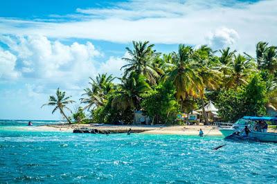 Plage îlet du Gosier en Guadeloupe, Antilles françaises.