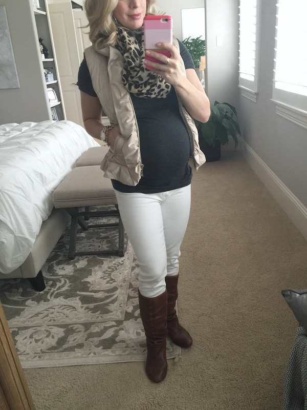 Fall & Winter outfit inspiration, tan grey, and white #pregnancystyle #dressingthebump