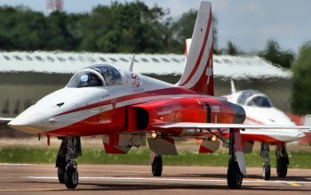 Wallpaper: Patrouille Suisse F5 Tiger