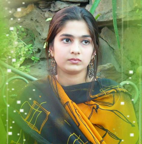 Rosahn Beautiful Pakistani Girl Image