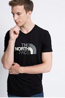 Tricou negru din colectia The North Face.