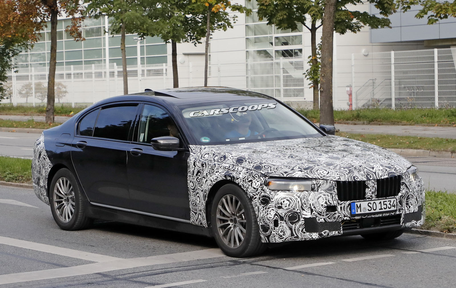 2019 BMW 7 Series LCI Now Testing