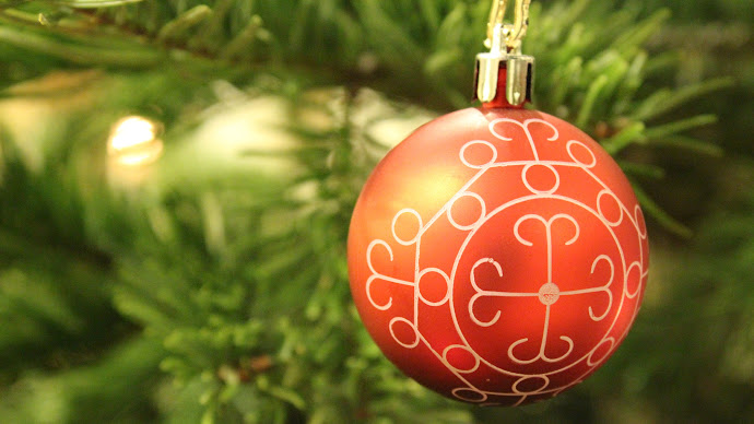 Wallpaper: Christmas Tree Ball