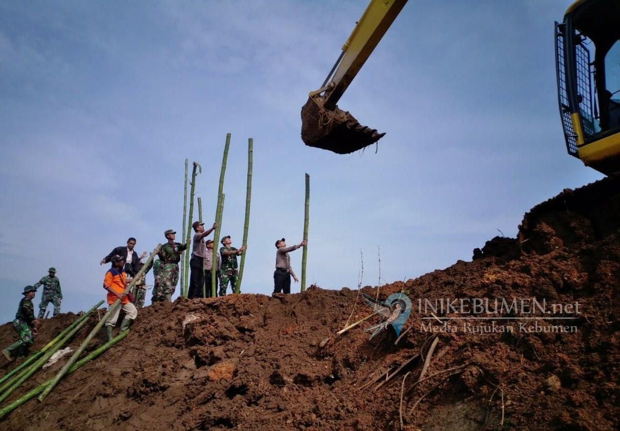 Perbaikan Tanggul Jebol di Adimulyo Selesai Tepat Waktu
