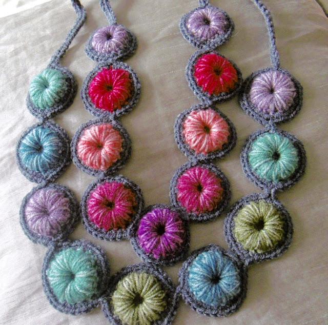 Susan Pinner Batik Bead N Bezel Necklace Pattern