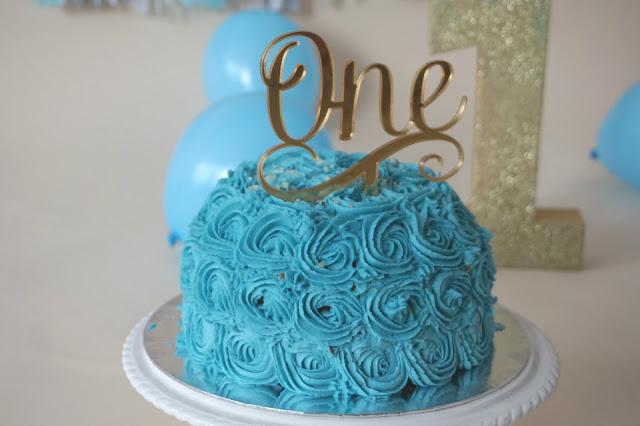 blue cake smash cake
