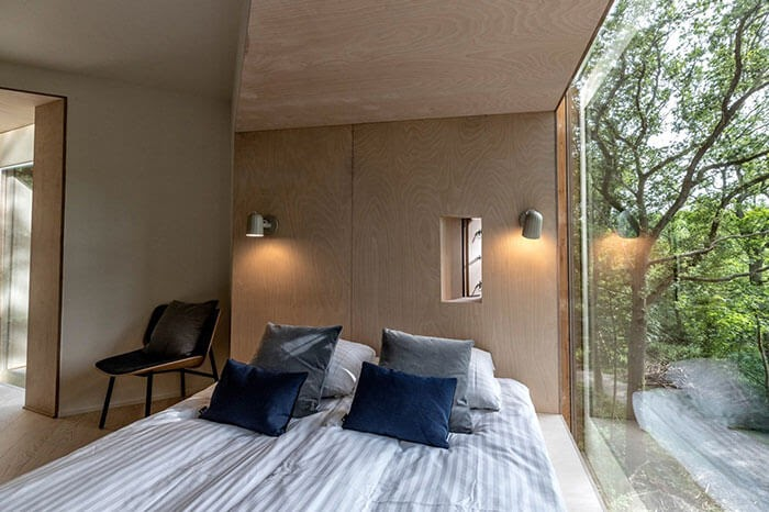 02-Bedroom-Area-Architecture-Treetop-Hotel-Tiny-House-www-designstack-co