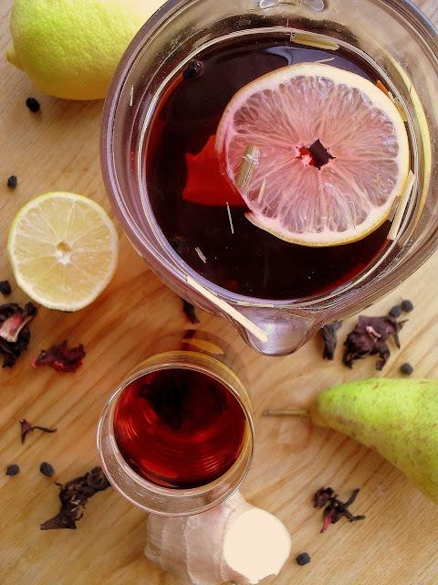 Rozgrzewający napój z hibiskusem i owocami / Warming Hibiscus and Fruit Drink