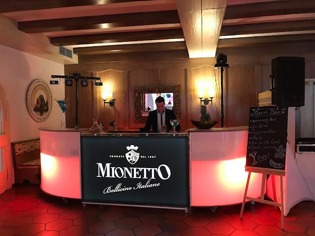 Mionetto-Bar, exotisch heiraten, Malediven Karbiik-Hochzeit im Seehaus, Riessersee Hotel Garmisch-Partenkirchen Bayern, Hochzeitsplanerin Uschi Glas