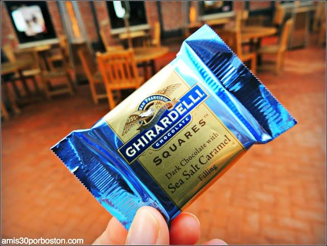 Muestras Gratis de Chocolate en la Plaza de Ghirardelli en San Francisco