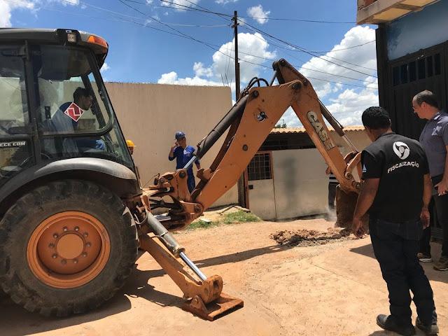Operação contra 'gatos' de água prende cinco em São Sebastião
