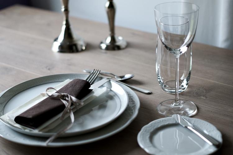fim.works: Dekoration   Der schön gedeckte Tisch