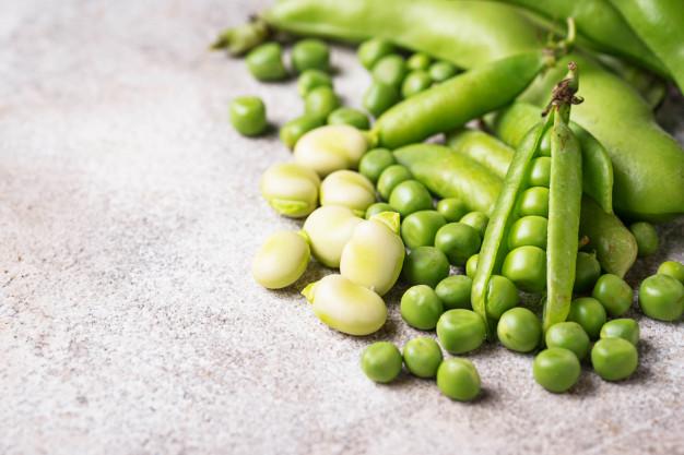 Guisantes verdes frescos