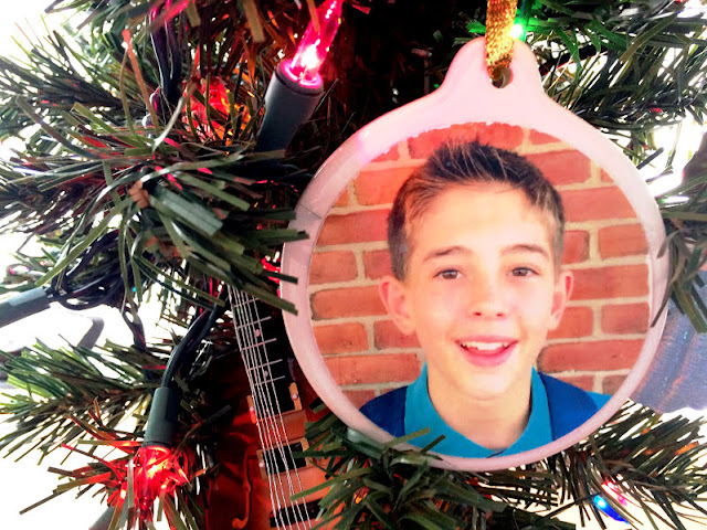 Personalized Photo Ornament DIY