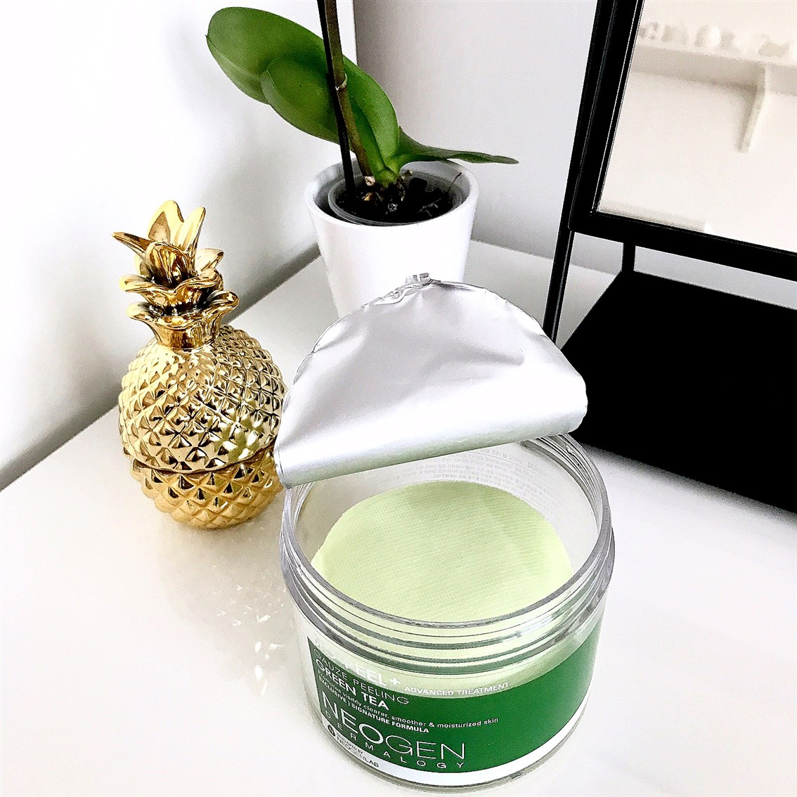 zdjęcie przedstawiające Neogen Bio-Peel Gauze Peeling Green Tea