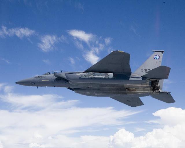 Gambar 07. Foto Pesawat Tempur F-15 Silent Eagle