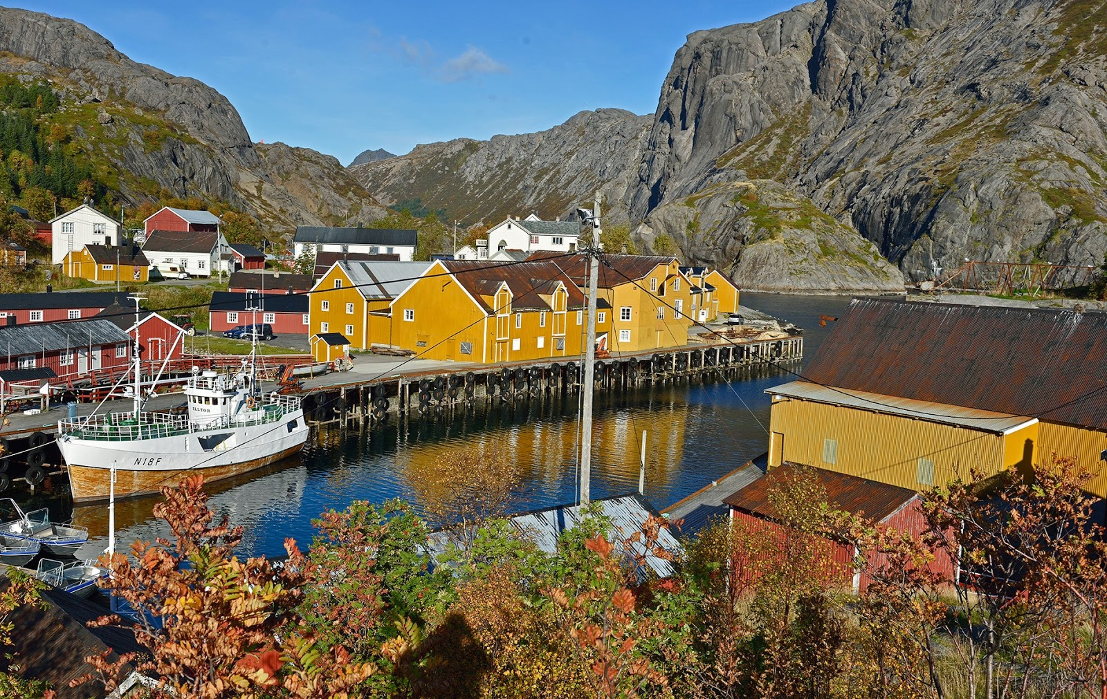 Winsome fishing villages chock-full of charming rorbuer or wooden cabins or wooden cabins in Nusfjord. Many have been refurbished and are now available as holiday rentals for your visit.