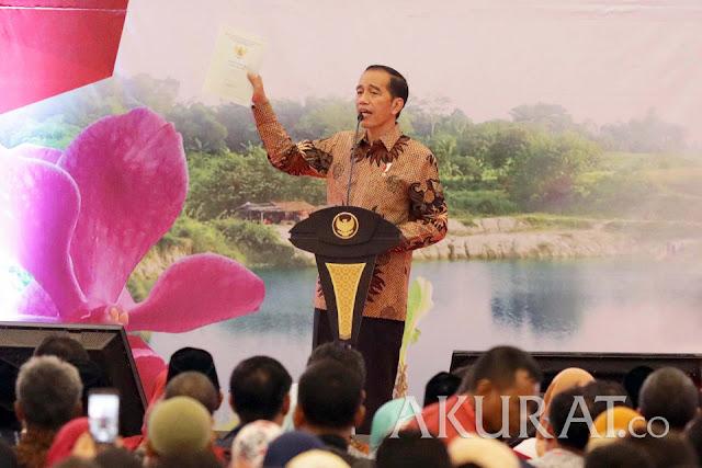 Jokowi Tegur Petani yang Sedang Kampanyekan Dirinya