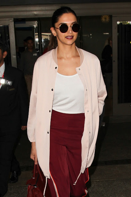 Deepika Padukone Looks Stunning as She Arrives At LAX Airport, Los Angeles, CA